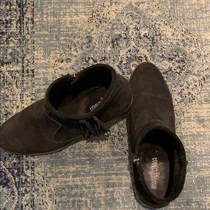 Minnetonka black suede booties with fringe